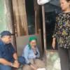 Nenek Rumahnya Terisolir Menangis ke Hadapan Anggota DPRD