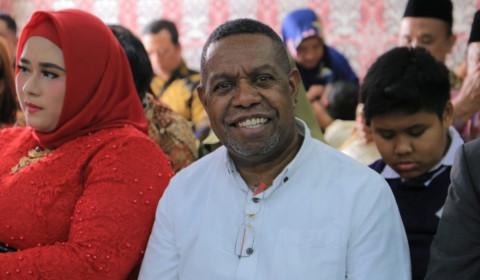 Musisi Edo Kondologit Hadiri Pelantikan DPRD Kota Tangerang