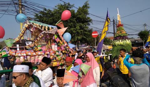 Gunungan & Tumpengan Ramaikan Kirab Maulid Kota Tangerang