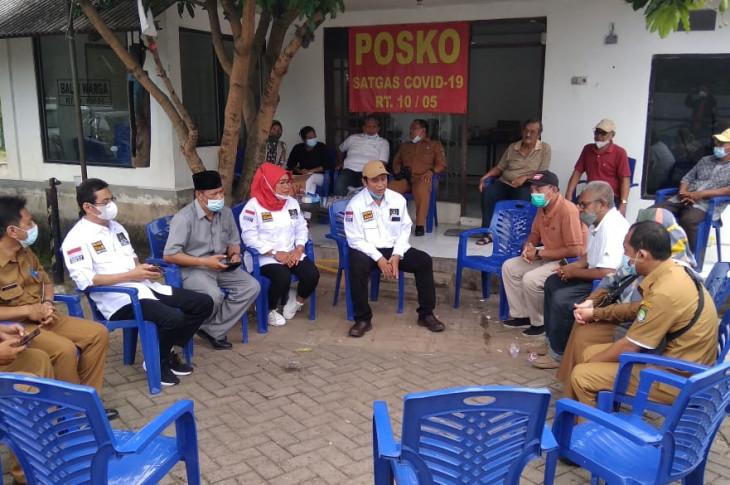 Komisi IV DPRD Kota Tangerang menggelar sidak ke Perumahan Pinang Griya RW 05 dan RW 06 Kelurahan Pinang, melihat daerah rawan banjir.